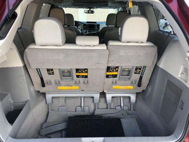 2011 Toyota Sienna Limited AWD 7-Pass V6 LINDON, UT 30