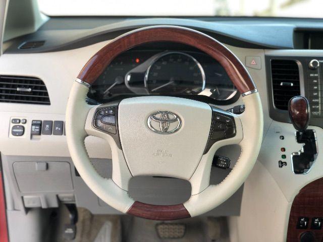 2011 Toyota Sienna Limited AWD 7-Pass V6 LINDON, UT 32