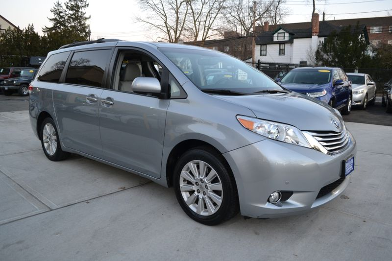 2011 Toyota Sienna Ltd  city New  Father  Son Auto Corp   in Lynbrook, New