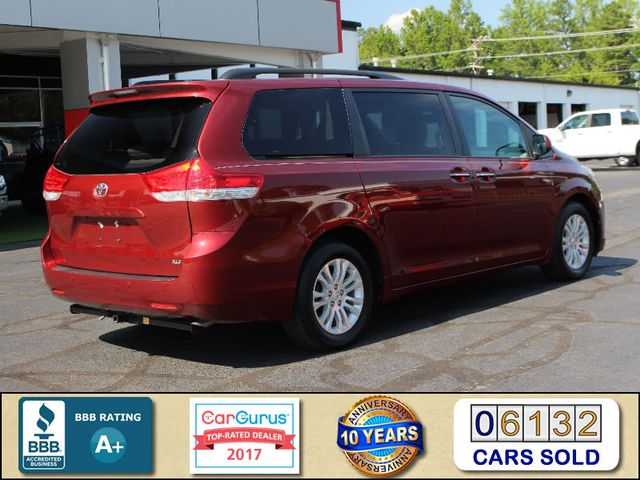 2011 Toyota Sienna XLE FWD - NAVIGATION - SUNROOF - HEATED LEATHER! Mooresville , NC 2