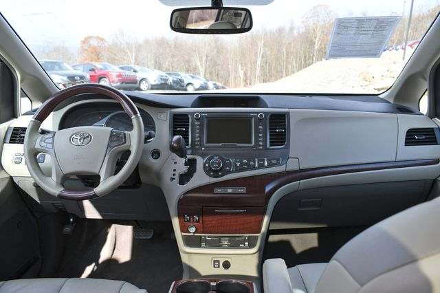 2011 Toyota Sienna Ltd Naugatuck, Connecticut 16
