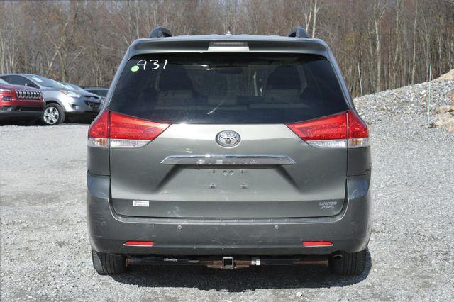 2011 Toyota Sienna Ltd Naugatuck, Connecticut 3