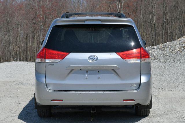 2011 Toyota Sienna LE AWD Naugatuck, Connecticut 5