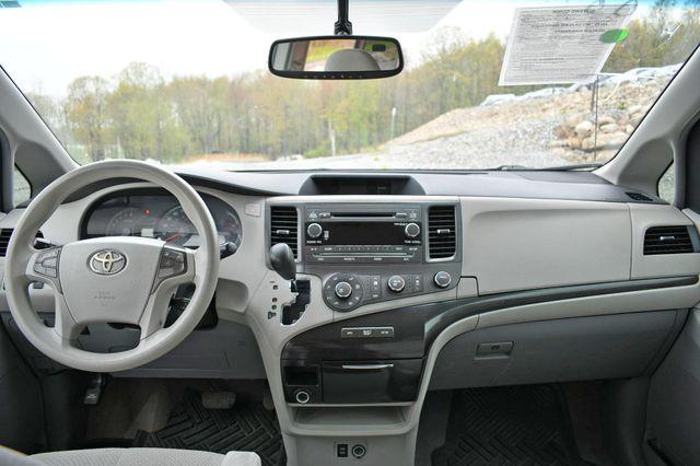 2011 Toyota Sienna LE Naugatuck, Connecticut 18
