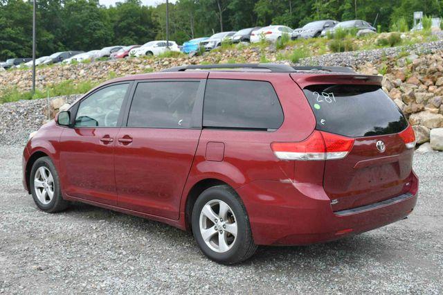 2011 Toyota Sienna LE Naugatuck, Connecticut 4