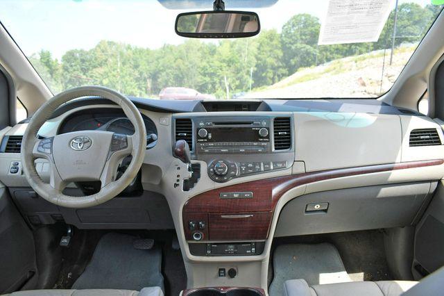 2011 Toyota Sienna XLE AWD Naugatuck, Connecticut 17