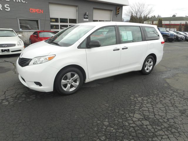 2011 Toyota Sienna New Windsor, New York 1