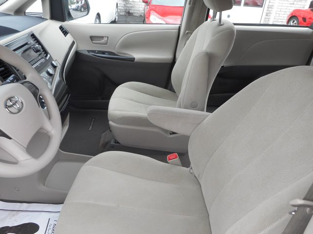 2011 Toyota Sienna New Windsor, New York 14