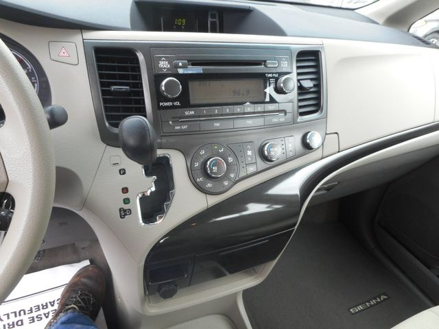 2011 Toyota Sienna New Windsor, New York 16