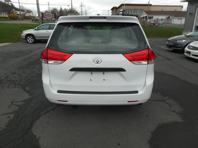 2011 Toyota Sienna New Windsor, New York 4