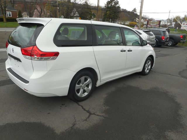2011 Toyota Sienna New Windsor, New York 6