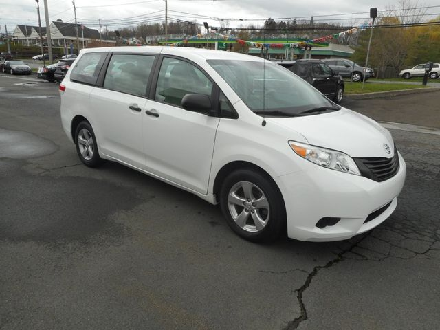2011 Toyota Sienna New Windsor, New York 8