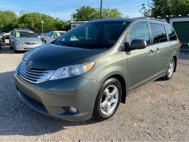2011 Toyota Sienna Ltd in San Antonio, TX 78238