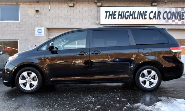 2011 Toyota Sienna 5dr 8-Pass Van V6 LE Waterbury, Connecticut 2