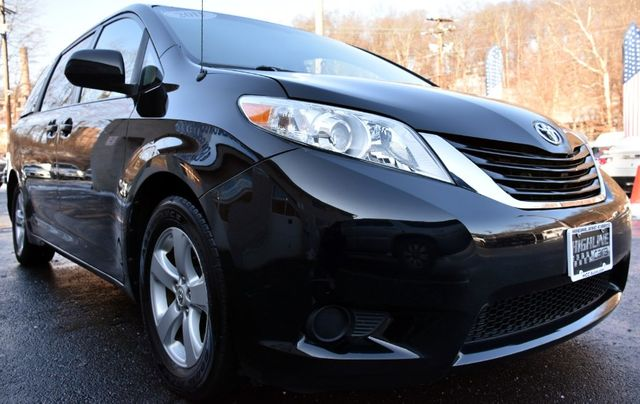 2011 Toyota Sienna 5dr 8-Pass Van V6 LE Waterbury, Connecticut 7