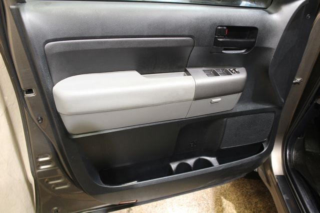 2011 Toyota Tundra 4x4 in Roscoe, IL 61073