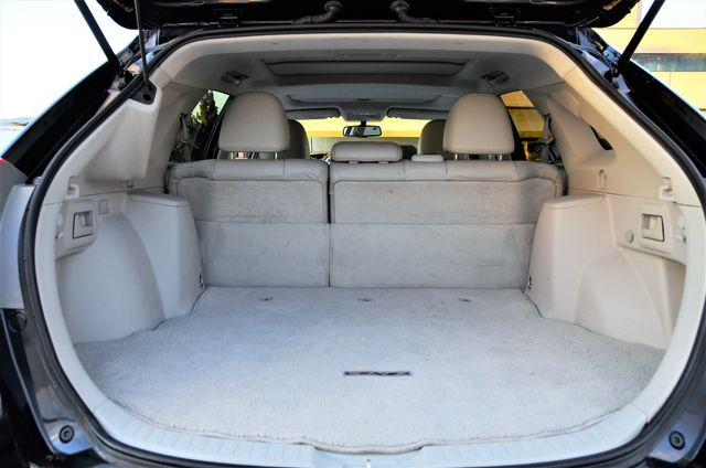 2011 Toyota Venza FULLY LOADED Reseda, CA 17