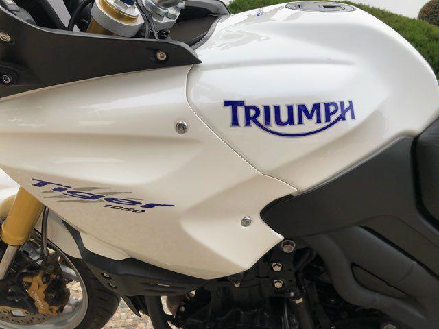 2011 Triumph Tiger 1050 ABS in McKinney, TX 75070