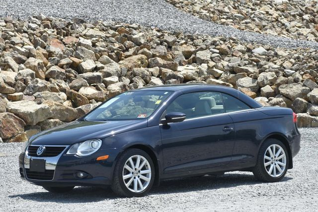 2011 Volkswagen Eos Komfort Naugatuck, Connecticut 4