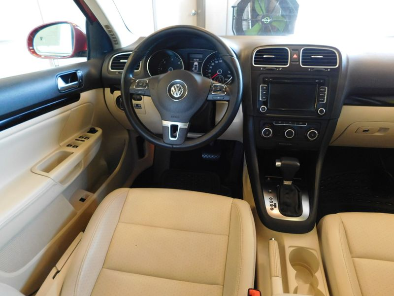2011 Volkswagen Jetta TDI  city TN  Doug Justus Auto Center Inc  in Airport Motor Mile ( Metro Knoxville ), TN