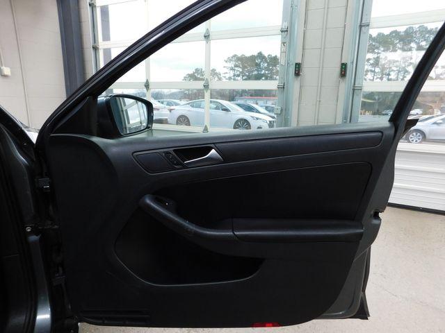 2011 Volkswagen Jetta SE w/Convenience PZEV in Airport Motor Mile ( Metro Knoxville ), TN 37777