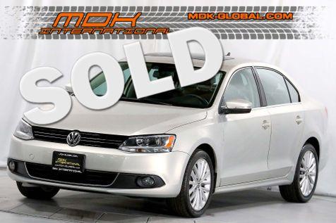2011 Volkswagen Jetta SEL w/Sunroof - Navigation - Heated seats in Los Angeles