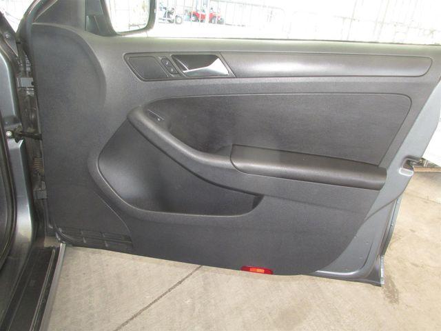 2011 Volkswagen Jetta SE w/Convenience & Sunroof PZEV Gardena, California 13