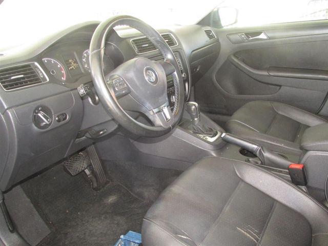 2011 Volkswagen Jetta SE w/Convenience & Sunroof PZEV Gardena, California 4