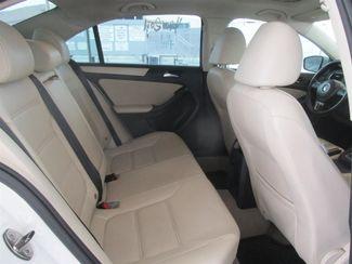 2011 Volkswagen Jetta SE w/Convenience & Sunroof PZEV Gardena, California 12