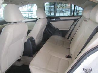 2011 Volkswagen Jetta SE w/Convenience & Sunroof PZEV Gardena, California 10
