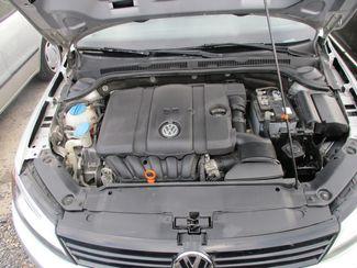 2011 Volkswagen Jetta SE w/Convenience & Sunroof PZEV Jamaica, New York 16