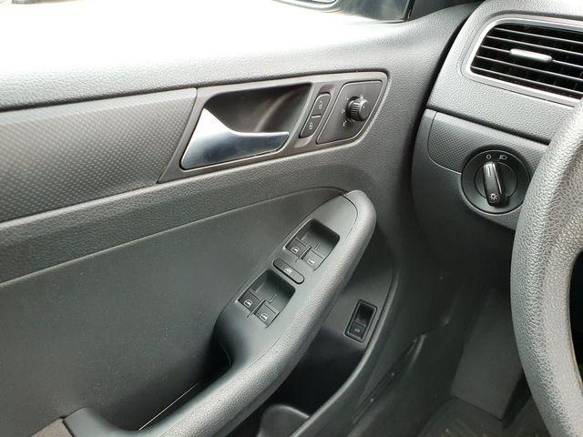 2011 Volkswagen Jetta S 5-Speed Manual in Louisville, TN 37777
