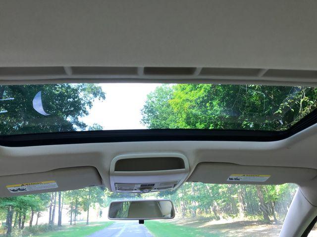 2011 Volkswagen Jetta SE w/Convenience & Sunroof PZEV Ravenna, Ohio 10