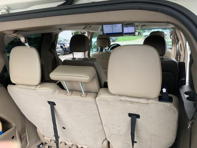 2011 Volkswagen Routan SE in Houston, TX 77020
