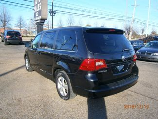 2011 Volkswagen Routan SE w/RSE Memphis, Tennessee 34