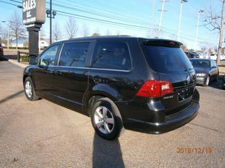 2011 Volkswagen Routan SE w/RSE Memphis, Tennessee 35
