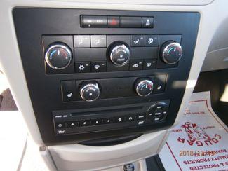 2011 Volkswagen Routan SE w/RSE Memphis, Tennessee 9