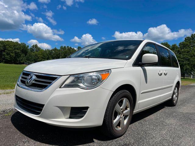 2011 Volkswagen Routan SE in , Ohio 44266