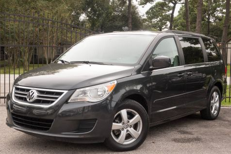 2011 Volkswagen Routan SE w/RSE & Navigation in , Texas
