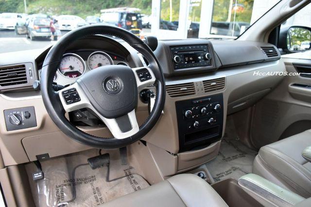 2011 Volkswagen Routan SEL Premium Waterbury, Connecticut 11