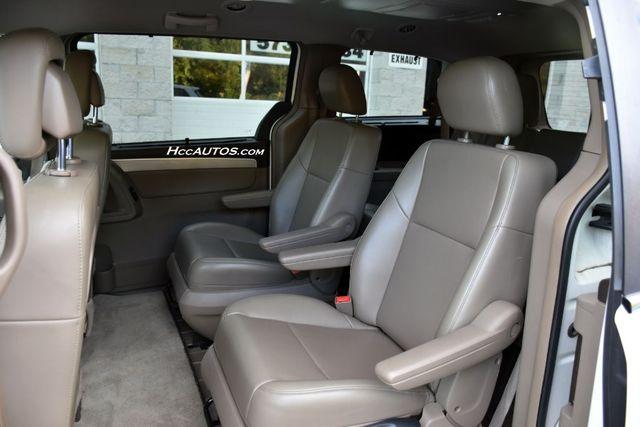2011 Volkswagen Routan SEL Premium Waterbury, Connecticut 13