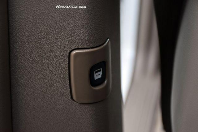 2011 Volkswagen Routan SEL Premium Waterbury, Connecticut 15
