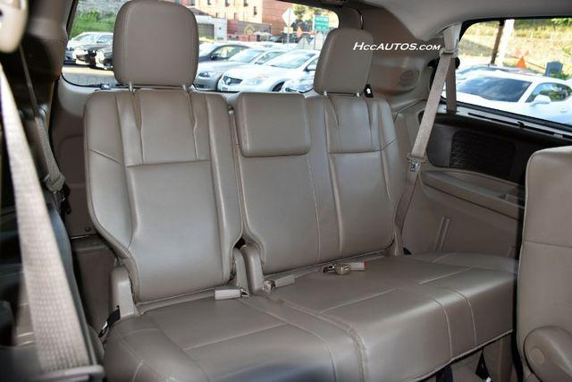 2011 Volkswagen Routan SEL Premium Waterbury, Connecticut 16