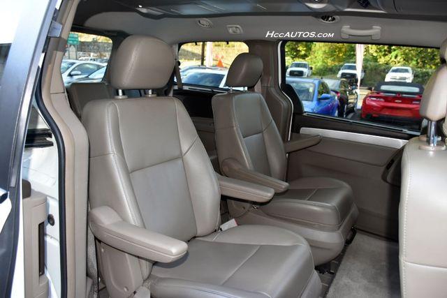 2011 Volkswagen Routan SEL Premium Waterbury, Connecticut 17