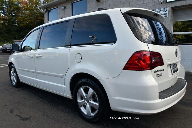 2011 Volkswagen Routan SEL Premium Waterbury, Connecticut 2