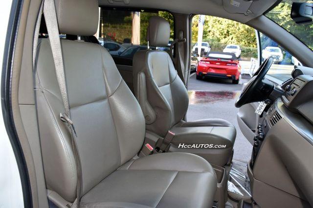2011 Volkswagen Routan SEL Premium Waterbury, Connecticut 20