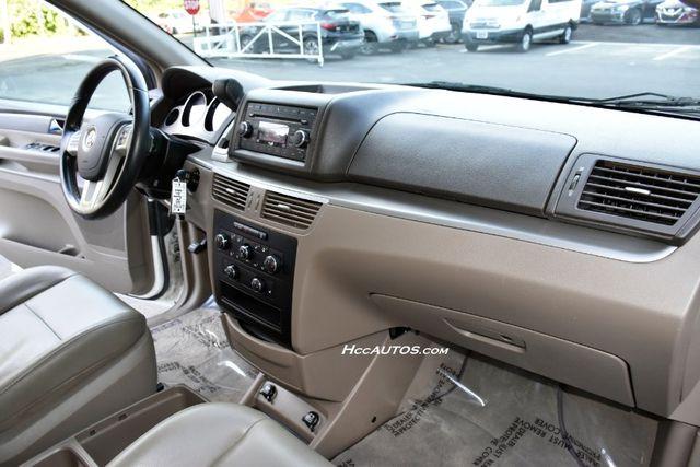 2011 Volkswagen Routan SEL Premium Waterbury, Connecticut 21