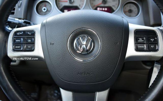 2011 Volkswagen Routan SEL Premium Waterbury, Connecticut 26