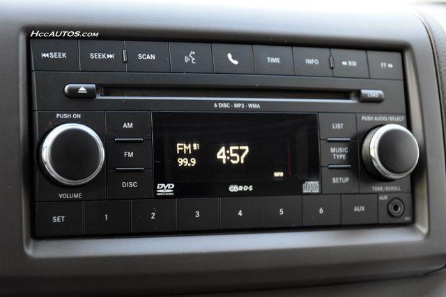 2011 Volkswagen Routan SEL Premium Waterbury, Connecticut 30