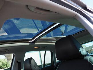 2011 Volkswagen Tiguan SE 4Motion wSunroof & Navi Englewood, CO 13